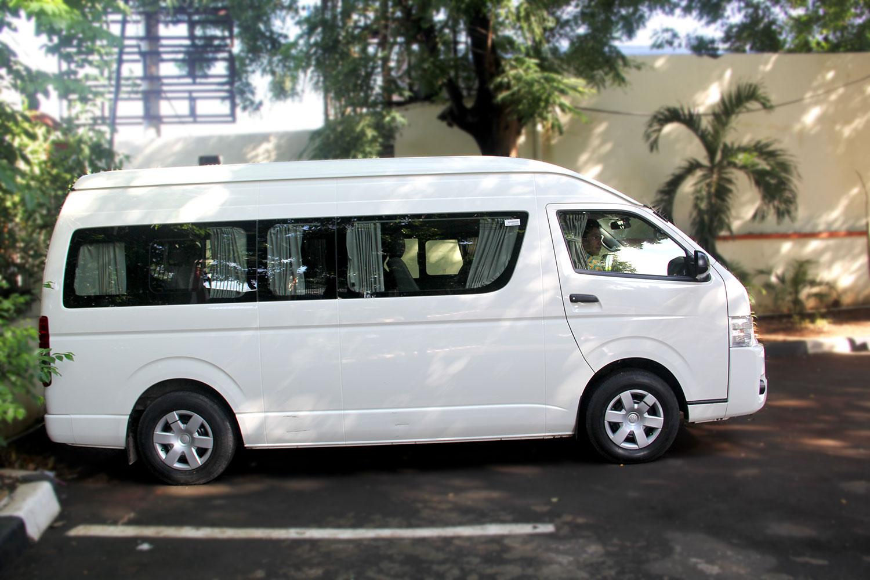 Sewa Mobil Jakarta Disewakan Mobil Toyota Hiace Jakarta